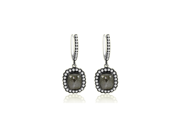 ICY DIAMOND EARRINGS IN 18K